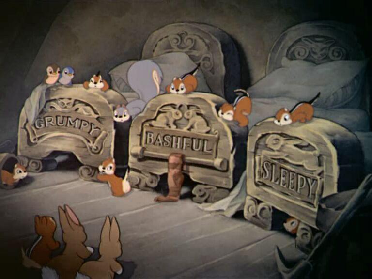 7 dwarfs' beds